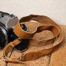 ラブハンズ(LoveHands)  ウォッシュドレザーのカメラストラップ